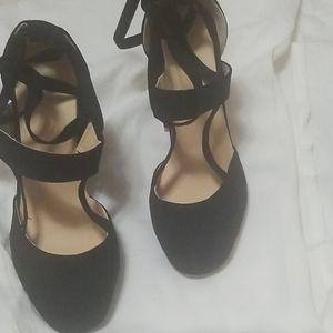 These amazing heels were too big..😥